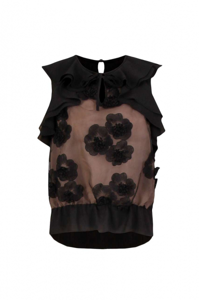 Shirt with lace and ruffles