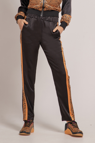 Sports trousers with edging