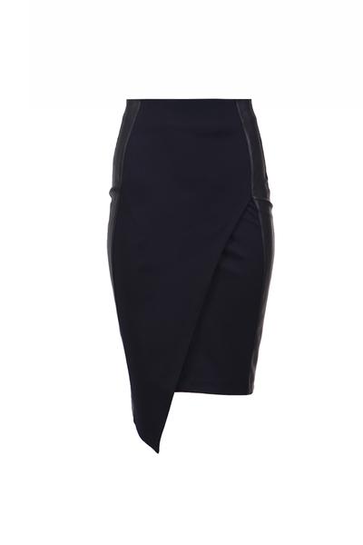 Black skirt with edging