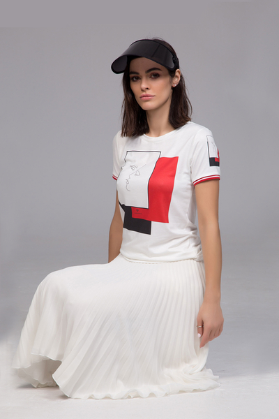 T-shirt with red print